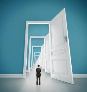 Rumi zicea, între altele: De ce te osteneşti atat să deschizi uşa, când întregul perete-i o simplă iluzie?