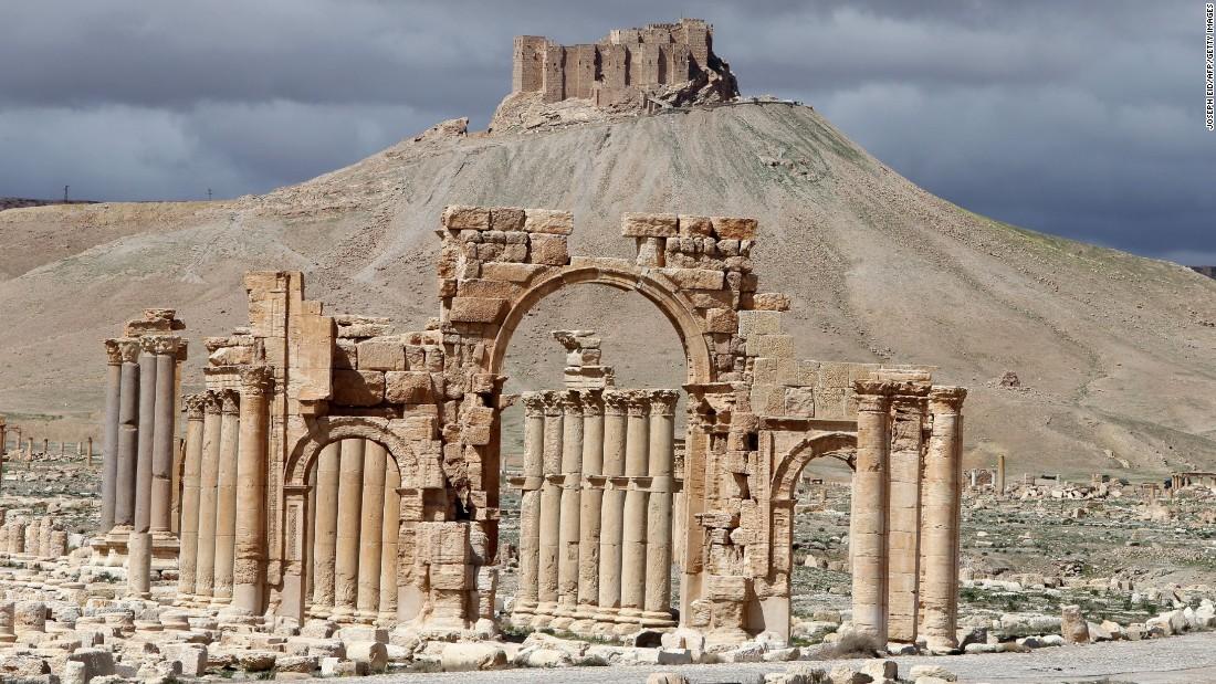 Acţiunile militare ruseşti le+au dat mână liberă teroriştilor din Statul Islamic să mai distrugă încă o parte din Palmyra