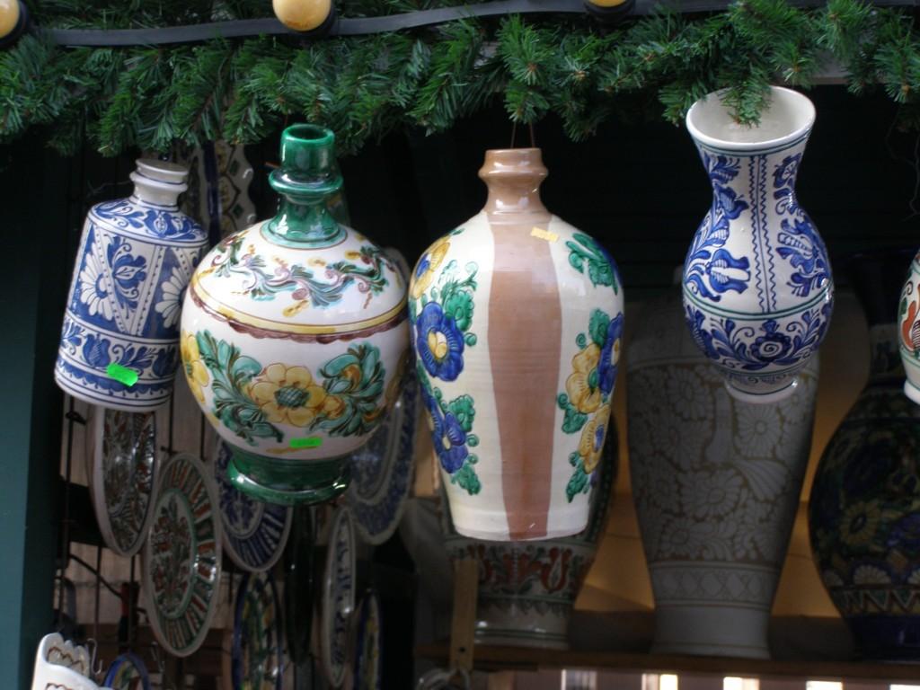 Iată, ungurii-au cucerit Bucureştii: ceramică de Korund, la doi paşi de Universitate