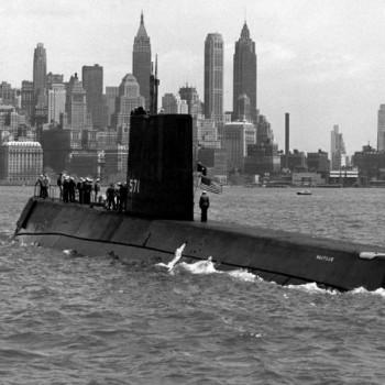 1958, în largul postului New York: Nautilus în marş, la suprafaţă