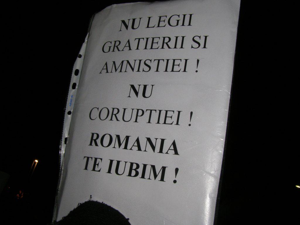 Mi-e teamă, prietene, că și ei vor spune că iubesc România: o țară numai bună pentru ei, atât timp cât pot fura în voie.